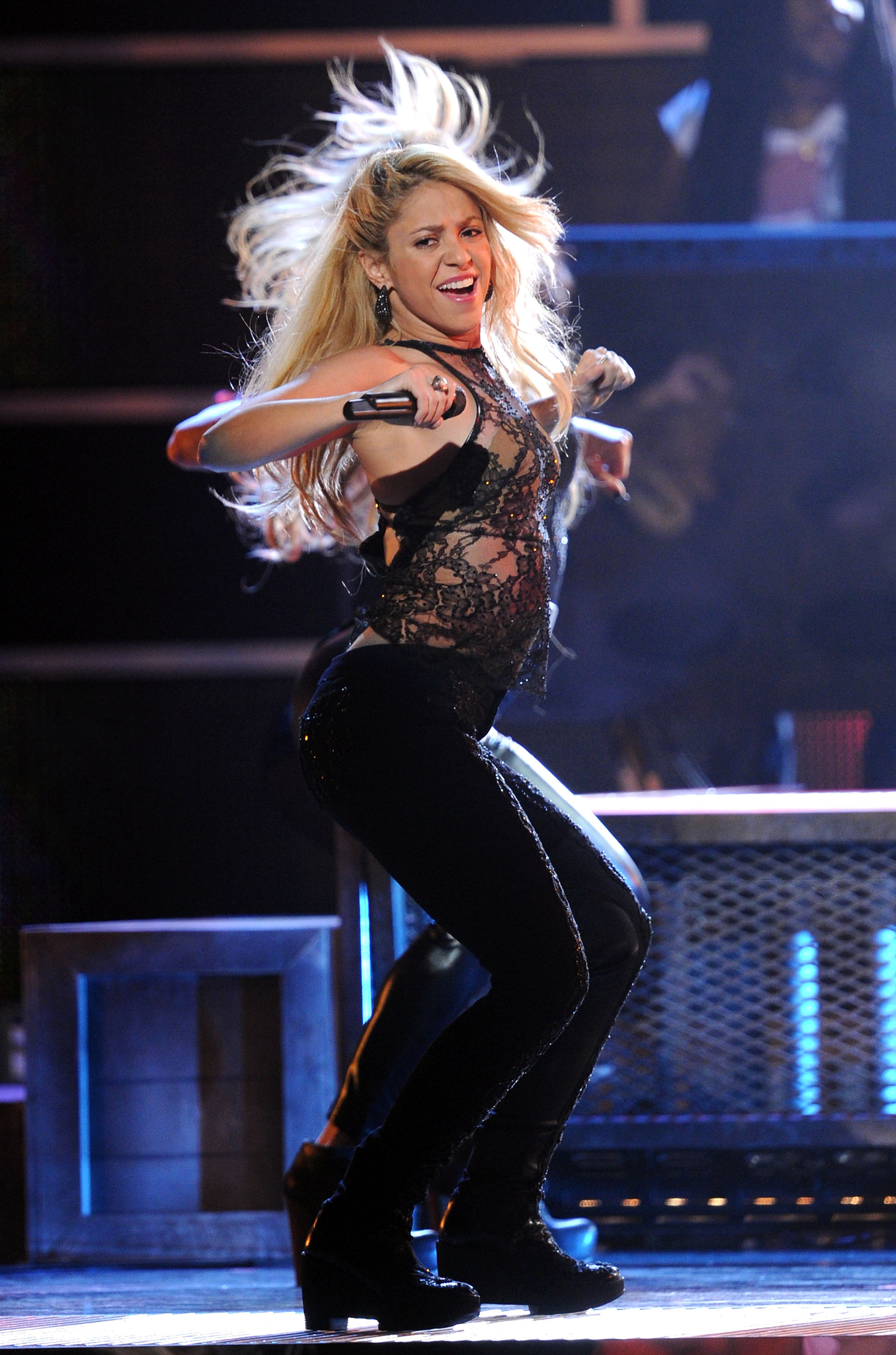Cars That Start With G >> Shakira To Return To 'The Voice' For Season 6; Plus Her New Album Is Set For Early 2014