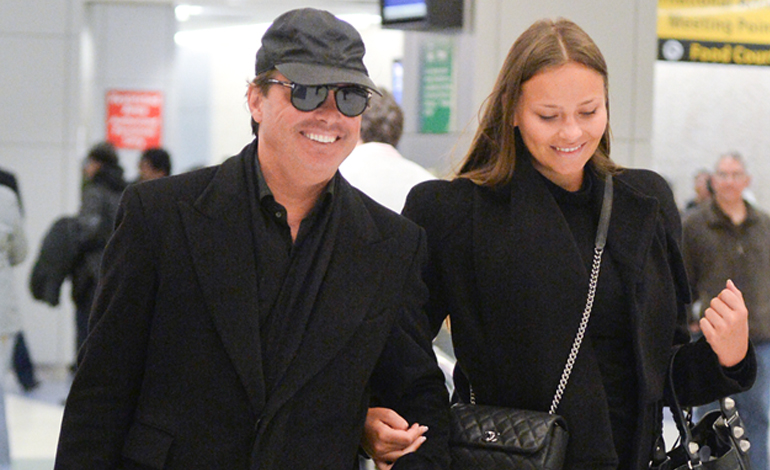 Luis Miguel Weight Gain See Singer Looking 40 Pounds