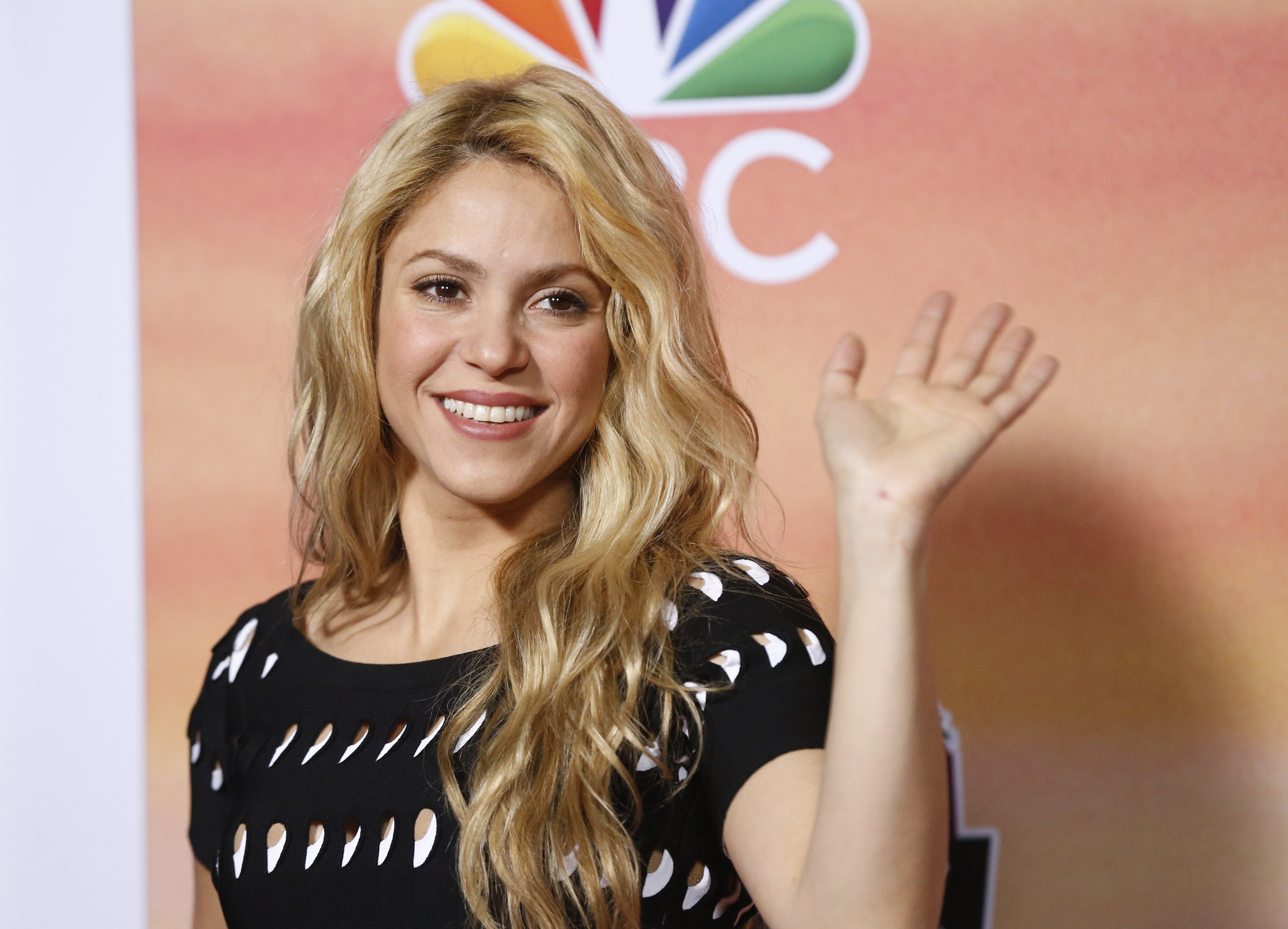 braless Young Shakira naked photo 2017