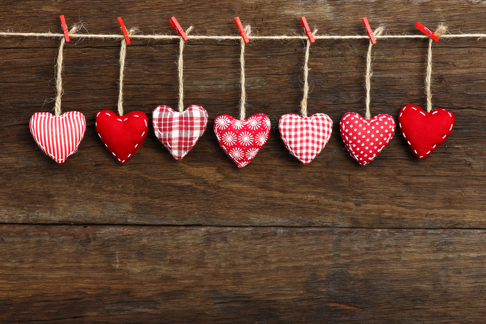 Valentine's Day Messages For Friends: 25 Things To Write In A ...