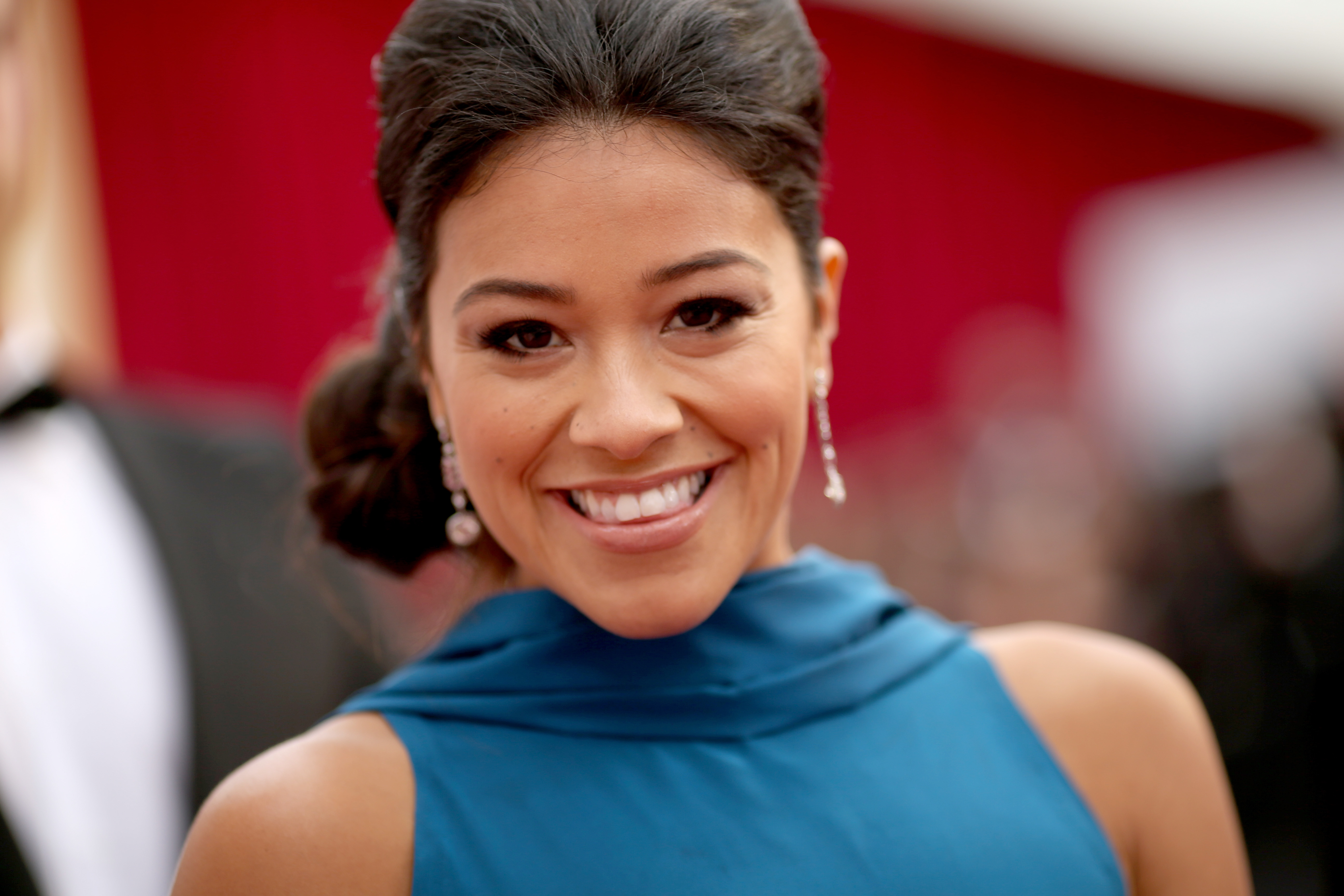 Oscars 2015 Red Carpet Look Get Gina Rodriguez Flawless