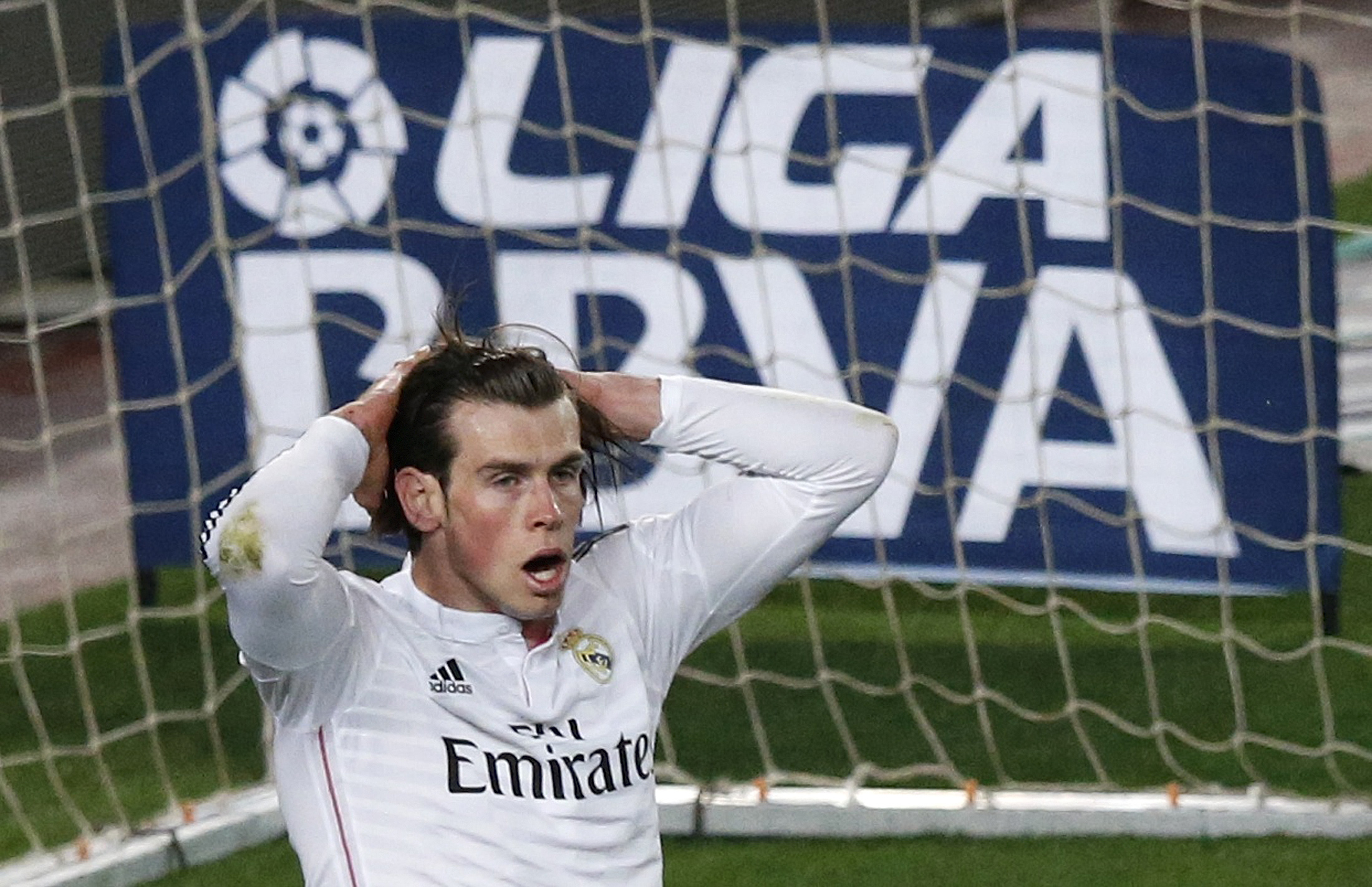 Gareth Bale Debut Real Madrid Youtube Gareth Bale