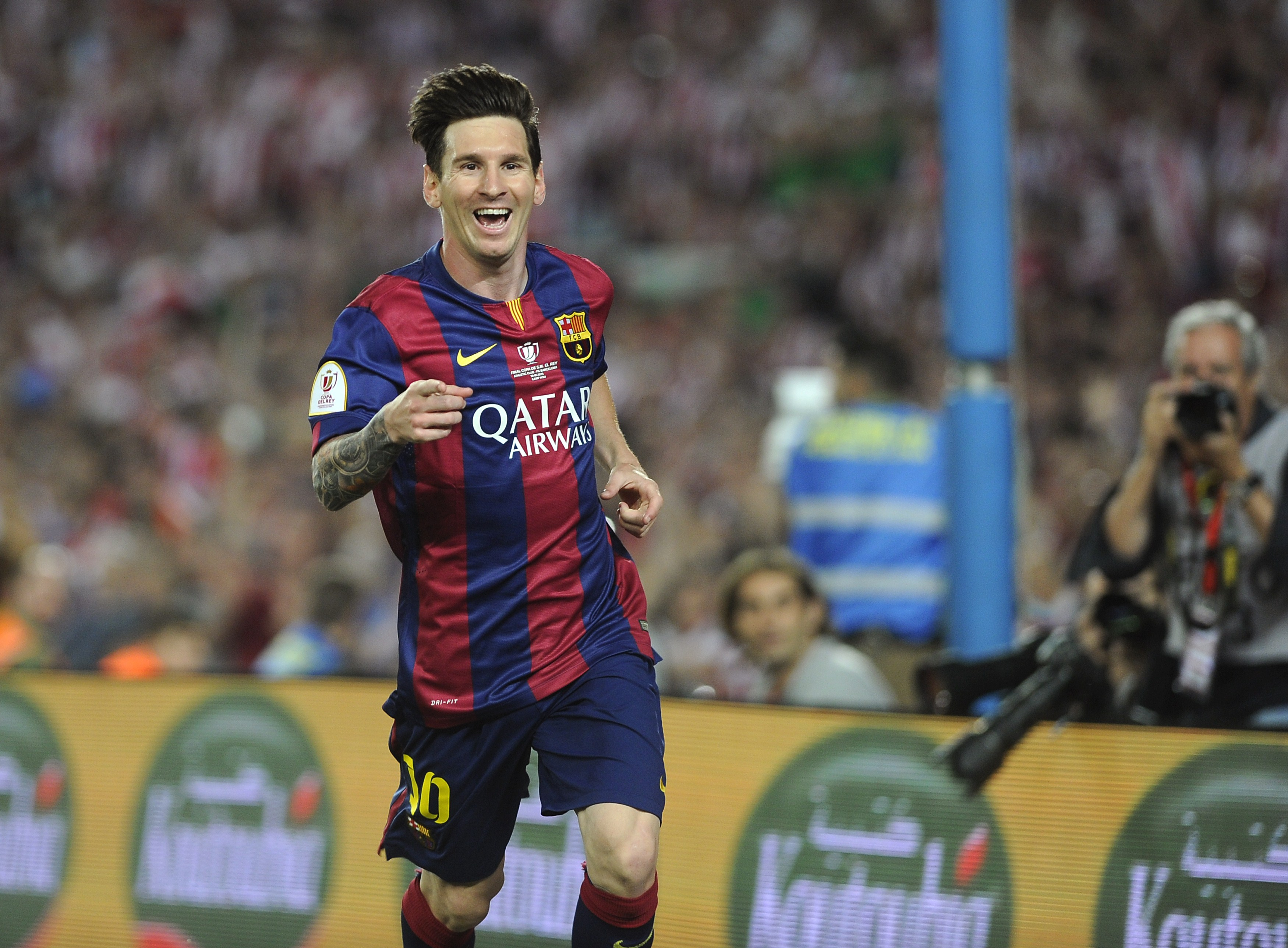 Google themes messi - Http Hdwallpaperswide Co Football Wallpapers Pinterest Messi Football And Ea