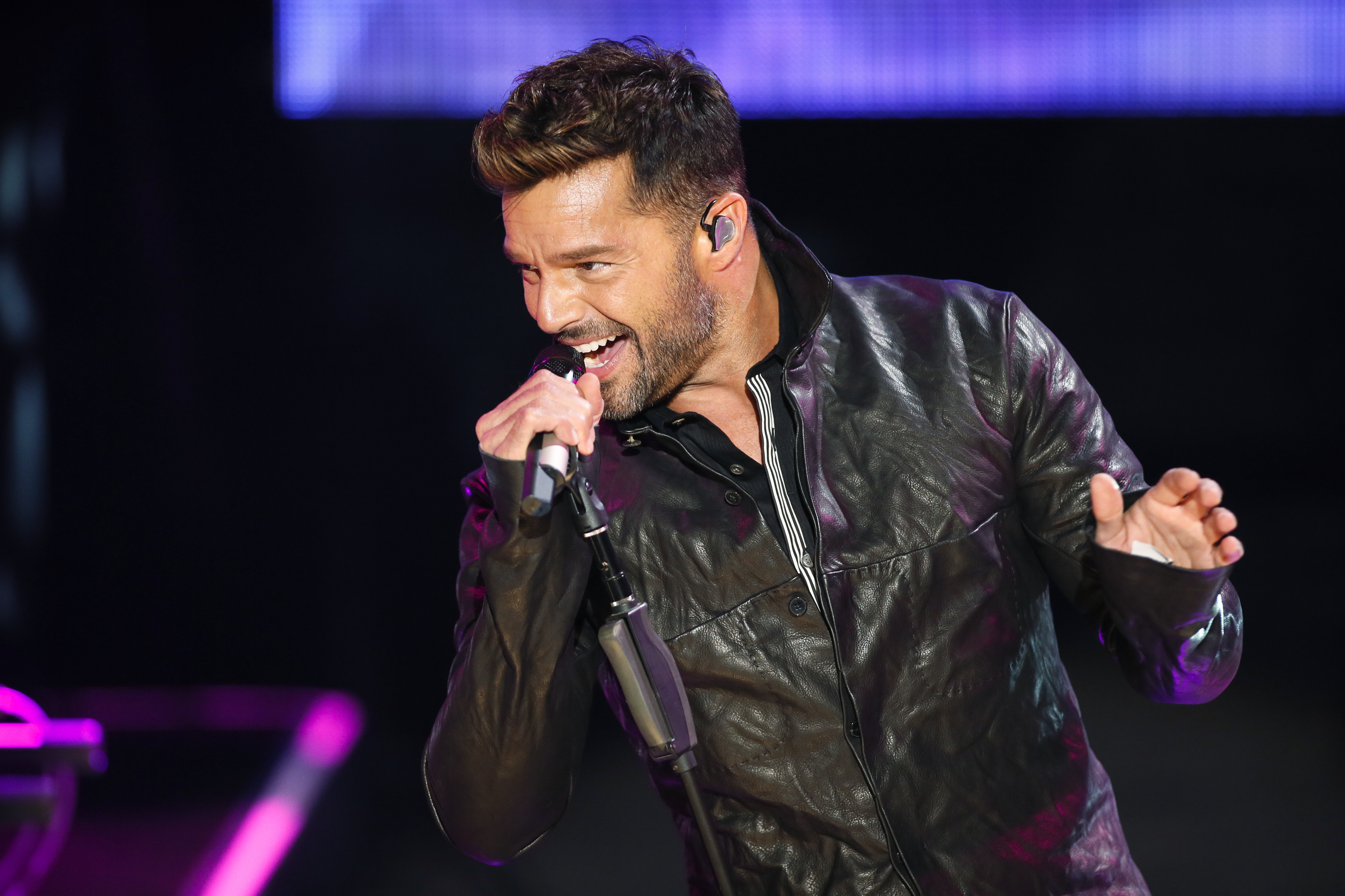 Ricky Martin Criticized In Mexico For Wearing A Skirt On