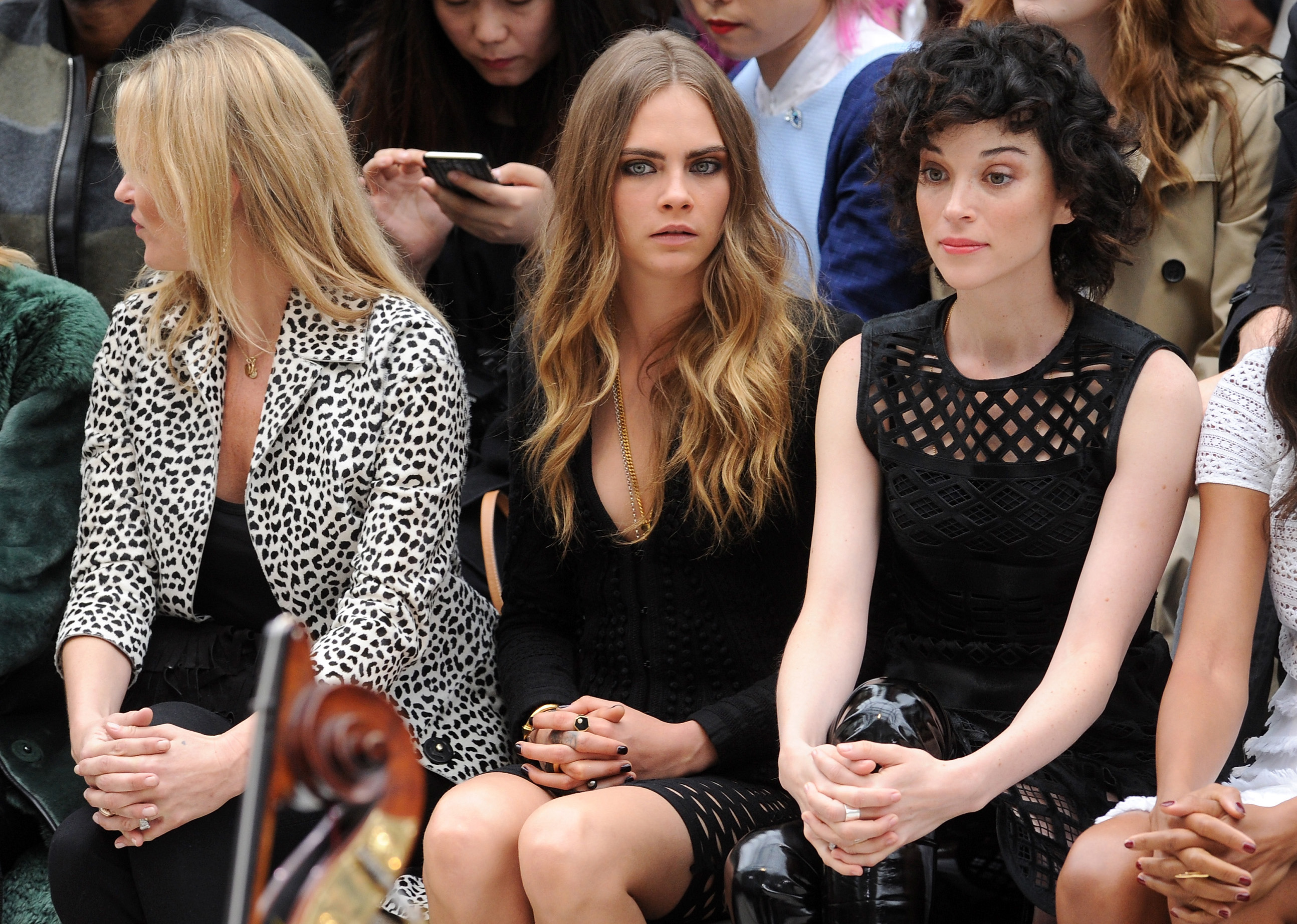 Who is cara delevingne dating in Melbourne