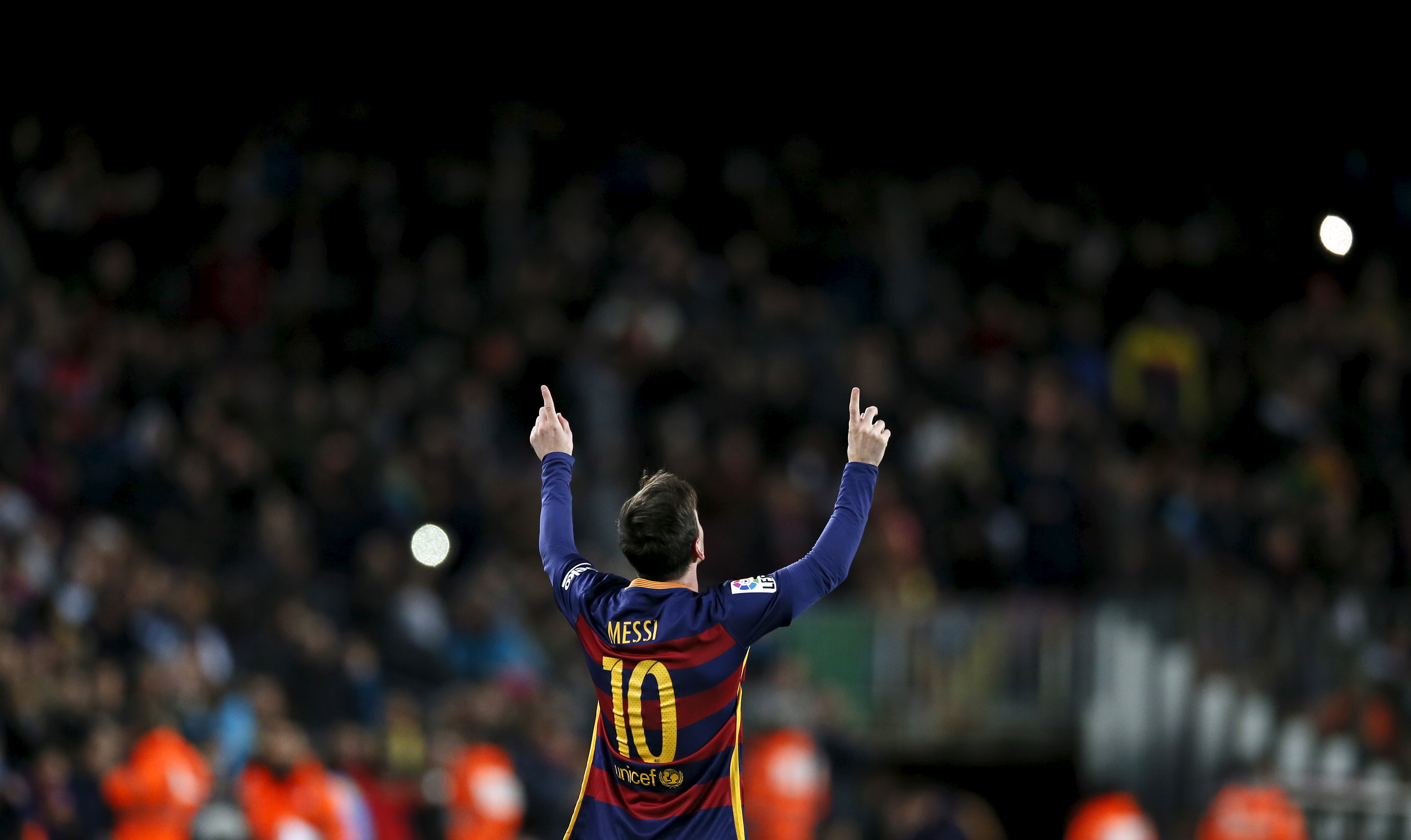 Lionel Messi Hat Trick Lifts Barcelona To Top Of Table In