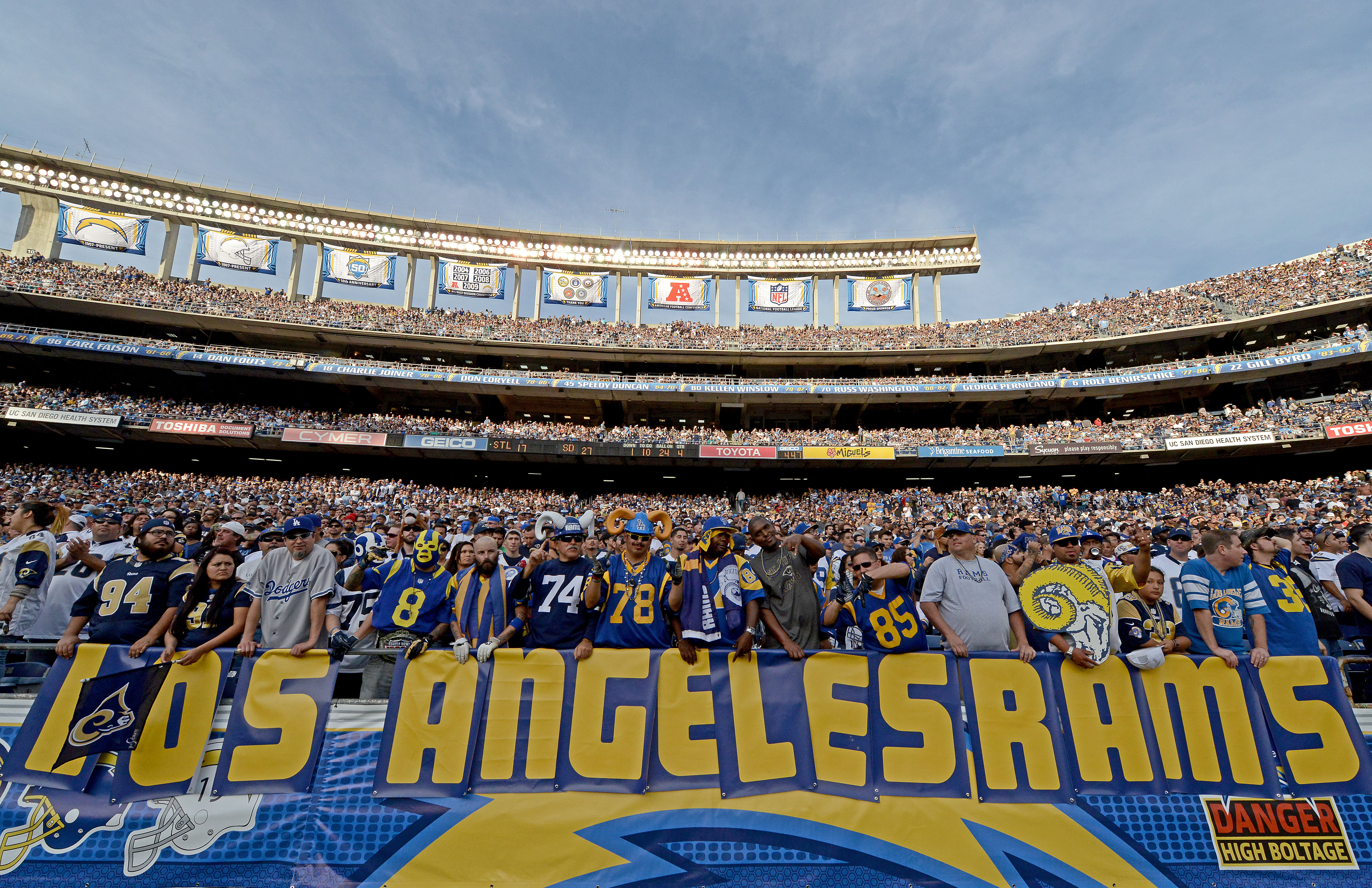 Foyer Home St Louis Reims : St louis rams return home to los angeles