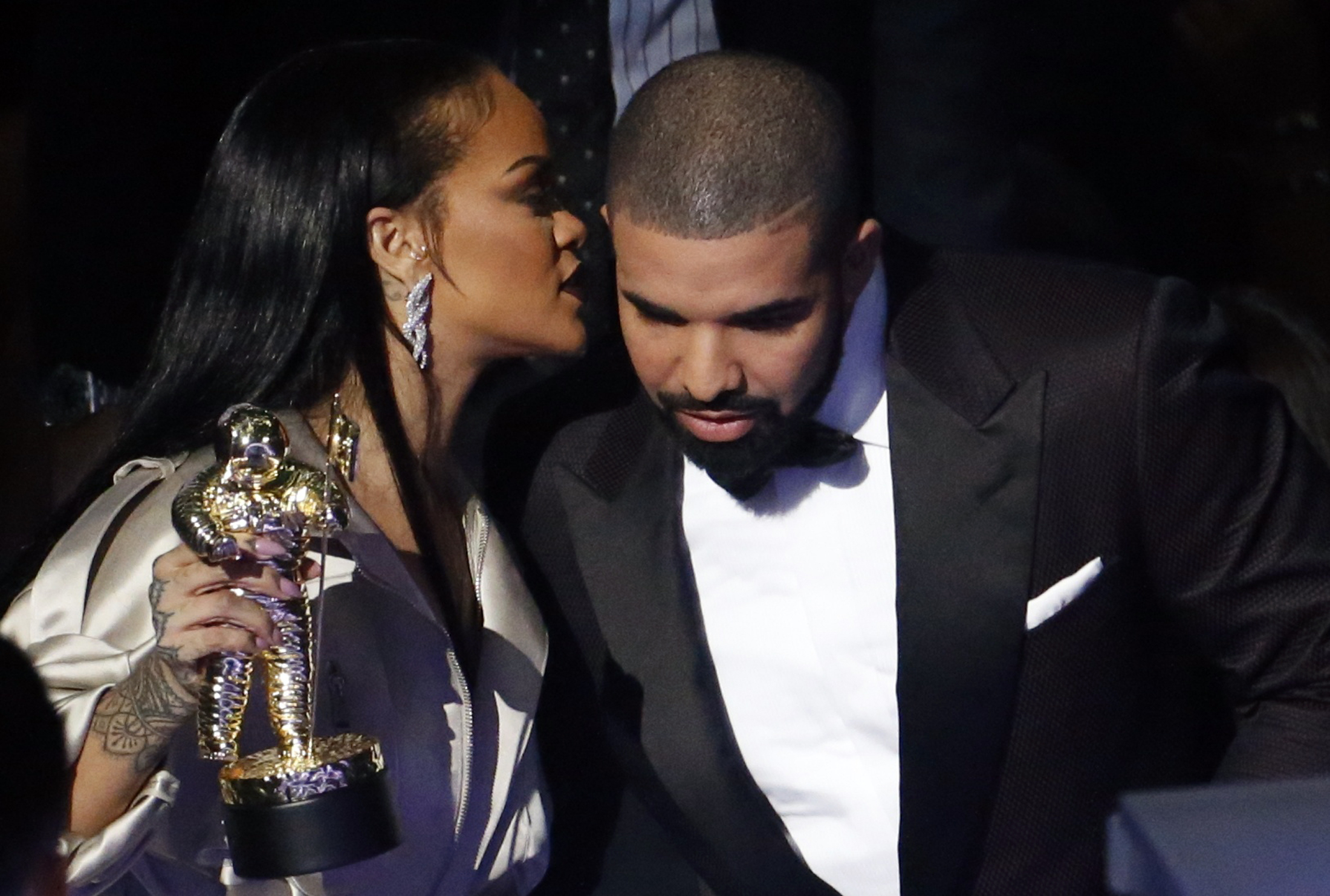Drake, Rihanna Getting Married? Couple Allegedly Planning
