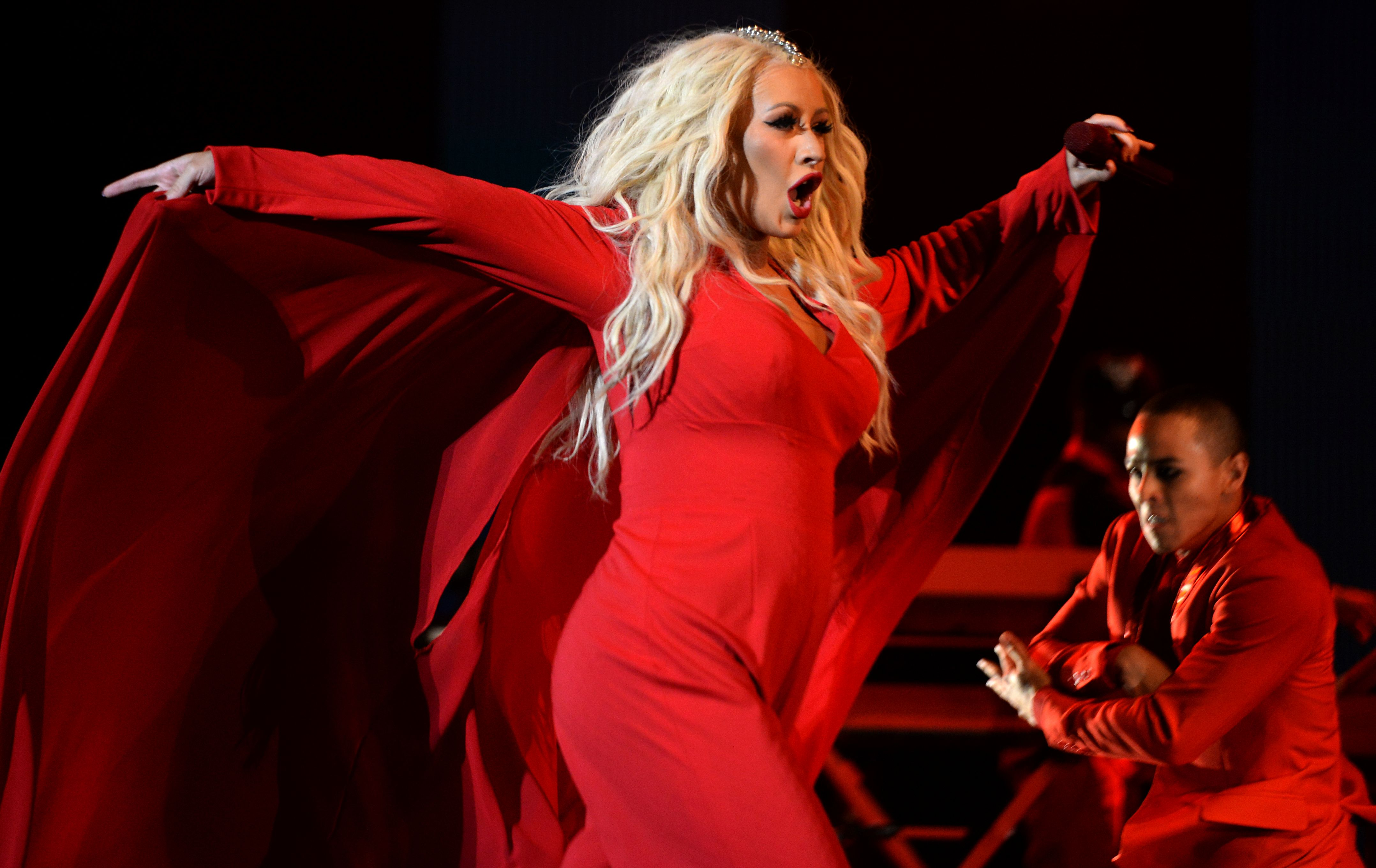 Christina Aguilera Returns Pop Star Reappears At