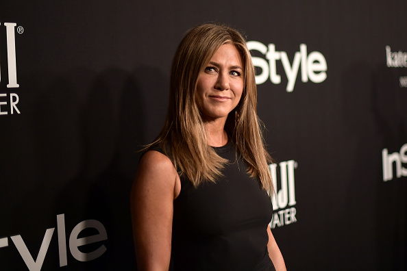 Does Jennifer Aniston Have 'Saggy Knees'? Actress Allegedly Undergoing Plastic Surgery - Latin Times