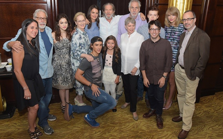 The Giver Interviews Meryl Streep And Taylor Swift Talk Lois Lowry S Sci Fi Adaptation