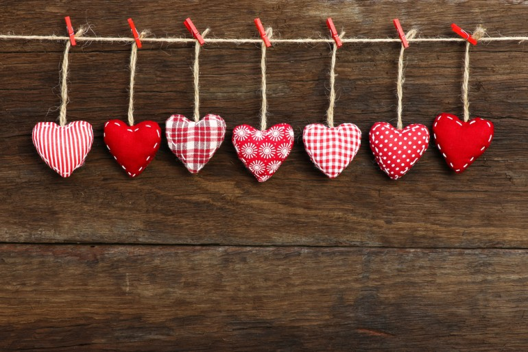 Valentine\'s Day Messages For Friends: 25 Things To Write In ...