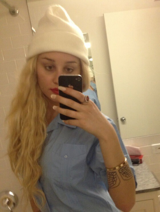 Amanda Bynes Shaved Her Head Explains Her New Wig Look