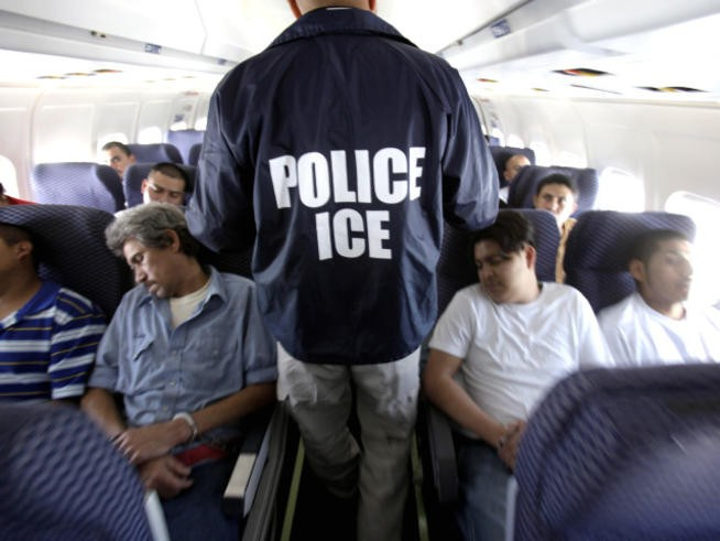 Mexican deportees on an ICE flight from Illinois to Texas in 2010.