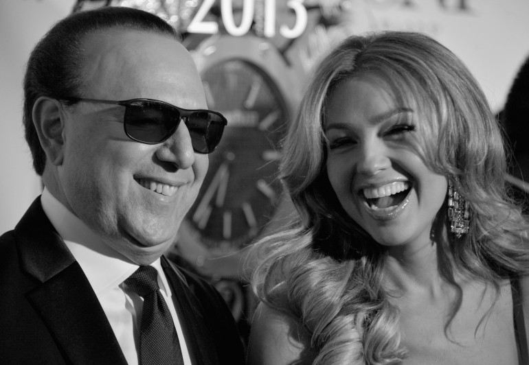 Thalia Tommy Mottola Renew Vows At St Patrick S Cathedral In Nyc On 13th Wedding Anniversary Photos