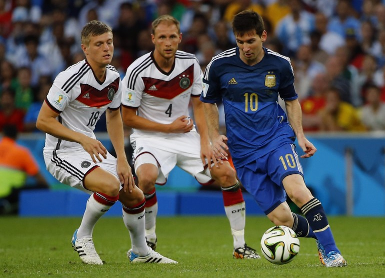 Messi surrounded