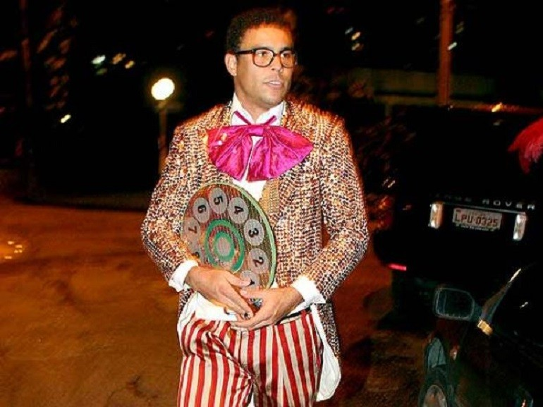 #7 Ronaldo  sc 1 st  Latin Times & The 15 Best Halloween Costumes Of Latino Athletes