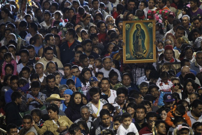 virgin of guadalupe crowd