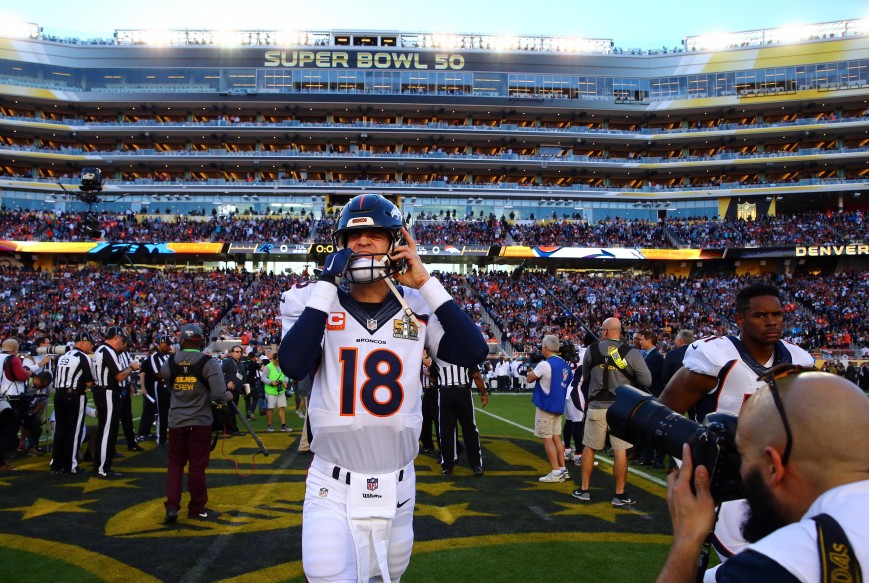 Peyton Manning Walks on to the Field for the Coin Flip