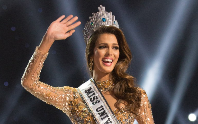 65th Miss Universe UPDATES - Page 3 Miss-universe-france-2017-winner-photos-iris-mittenaere