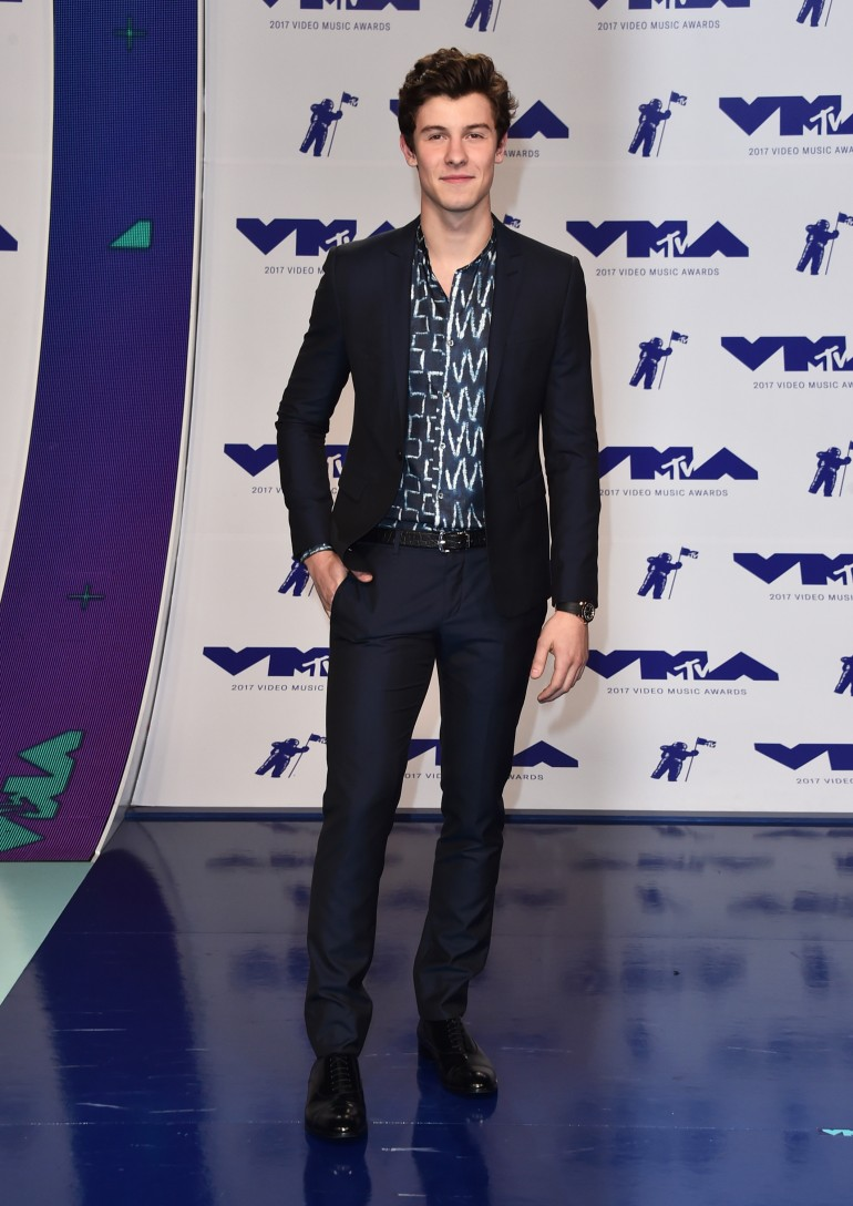 Photos All The Best Amp Worst Looks From Mtv Vmas 2017 Blue