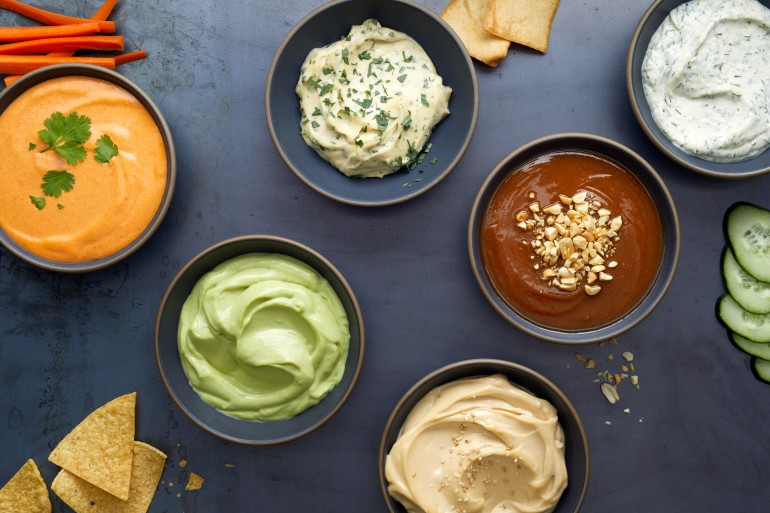 3-Ingredient Dip Recipes For Your Next Tailgate Party