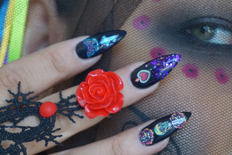 Day Of The Dead Nail Art: Reina Rebelde Launches 75-Piece Set Of ...