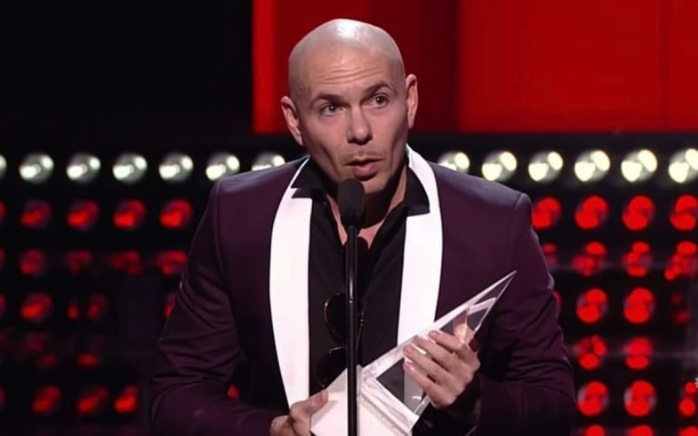Pitbull's Political Speech & Other Top Moments of 2017 Latin American Music Awards