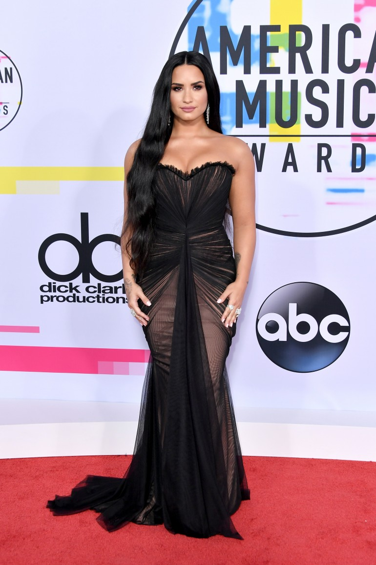 AMAs 2017 Red Carpet Photos: Demi Lovato