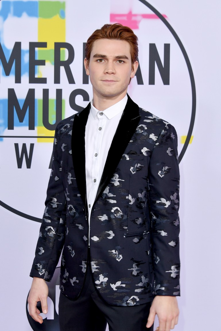 AMAs 2017 Red Carpet Photos: KP Apa