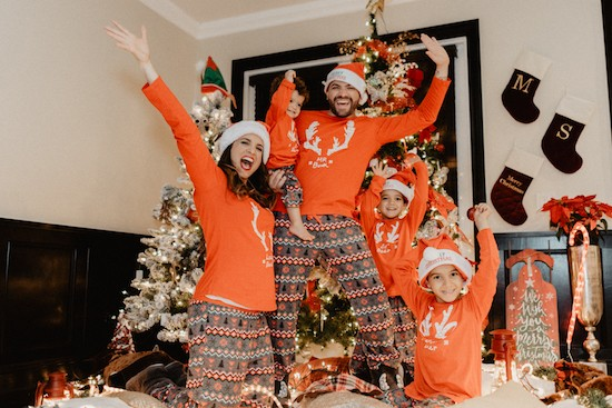 041951b5c6 Matching PJs For Christmas  5 Family Sleep Sets That Are Super ...