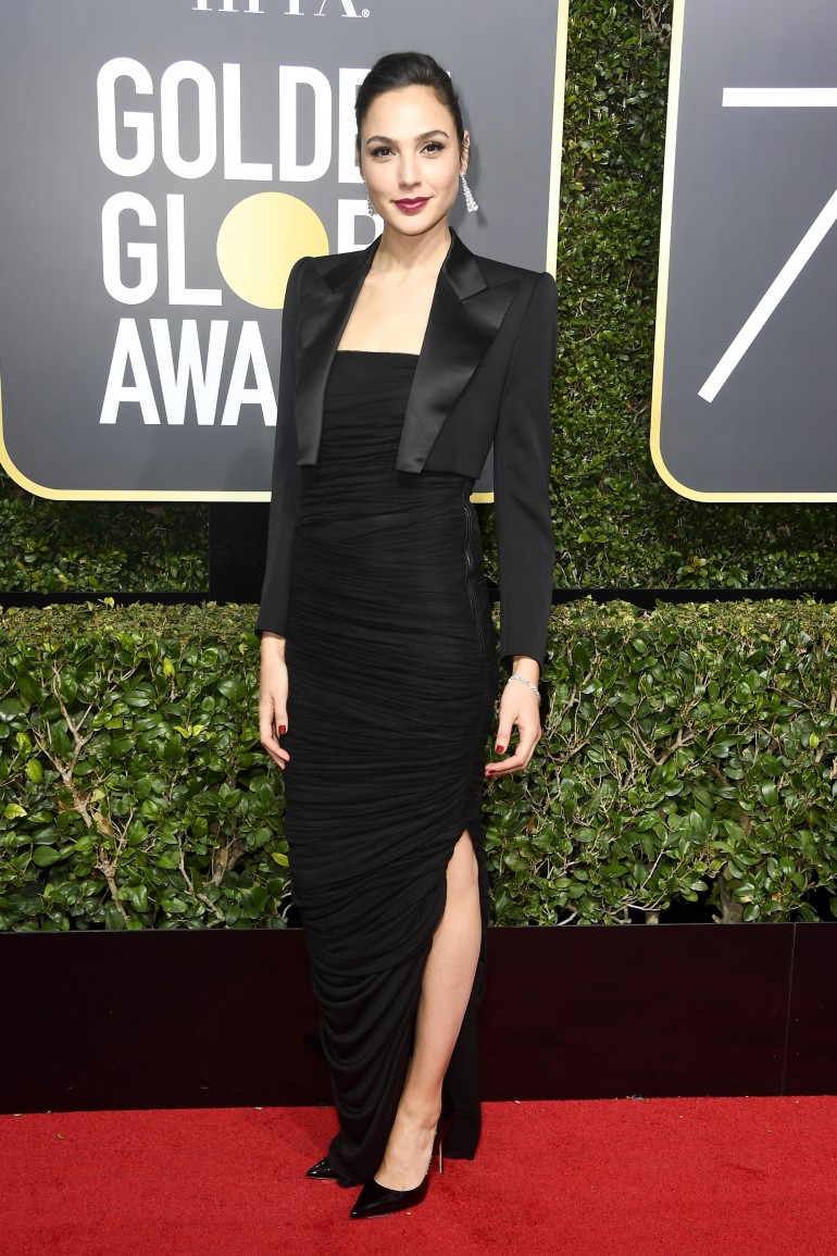 Golden Globes 2018 Red Carpet Photos: Gal Gadot