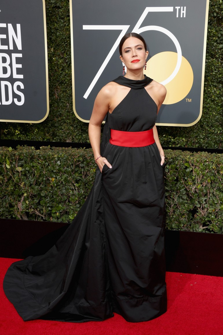 Golden Globes 2018 Red Carpet Photos: Mandy Moore
