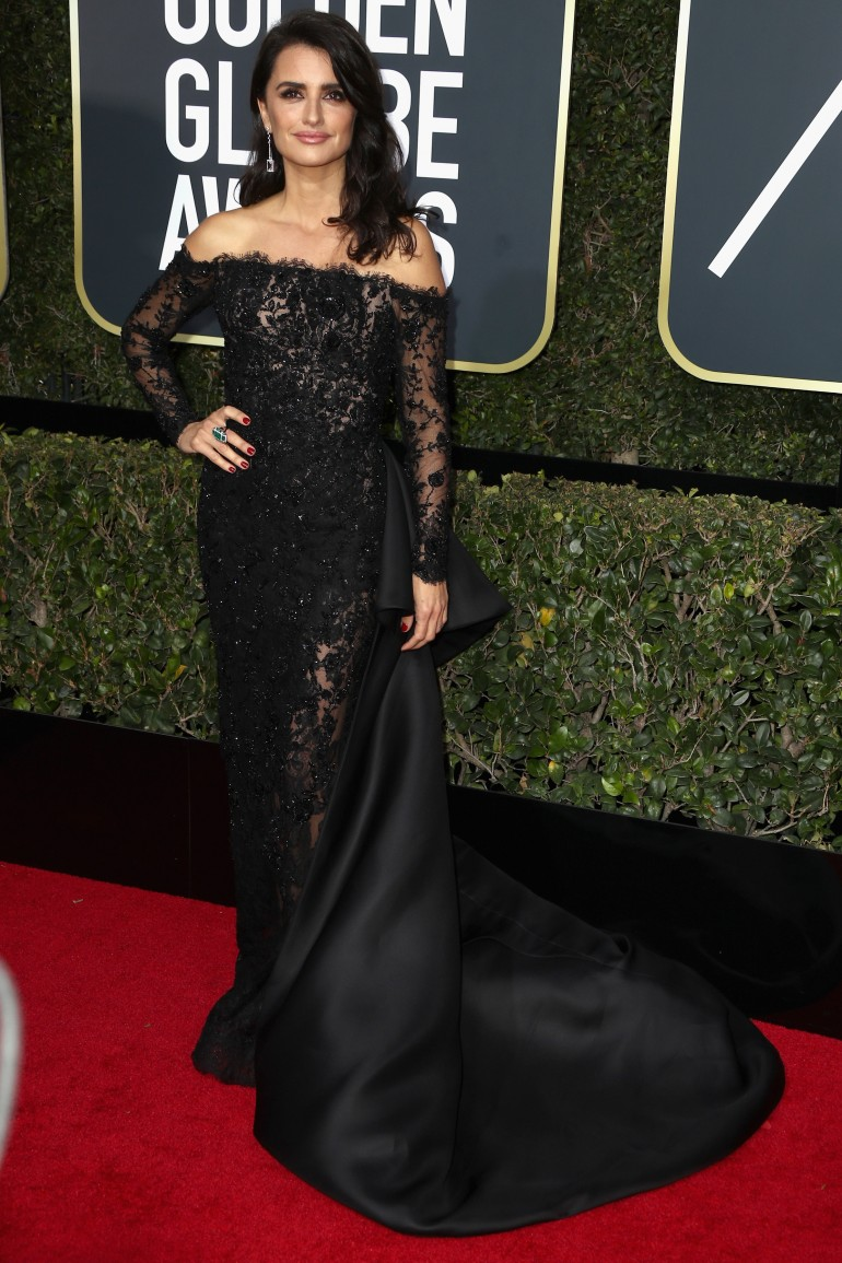 Golden Globes 2018 Red Carpet Photos: Penelope Cruz