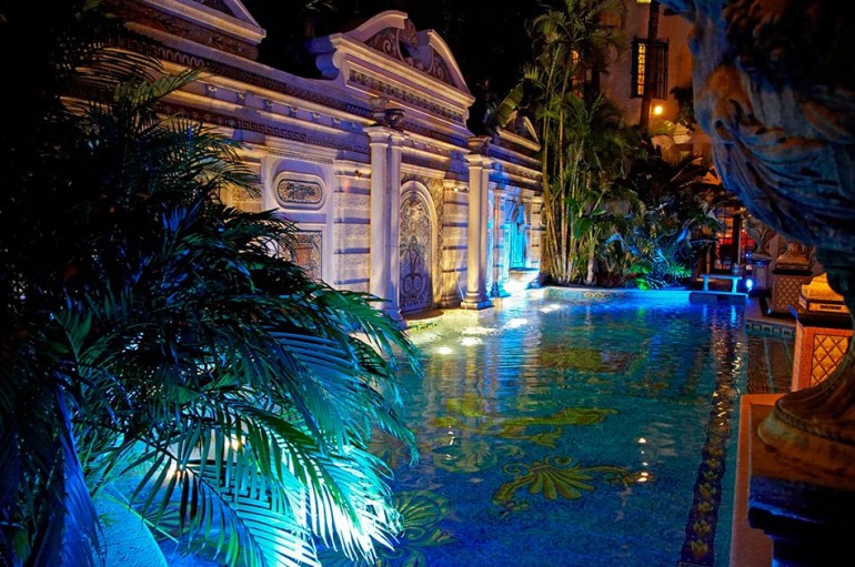 Gianni versace miami mansion design was inspired by for Versace pool design