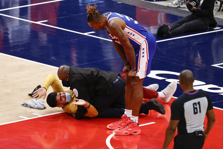 Fan disrupts game at Capital One Arena on May 31, 2021
