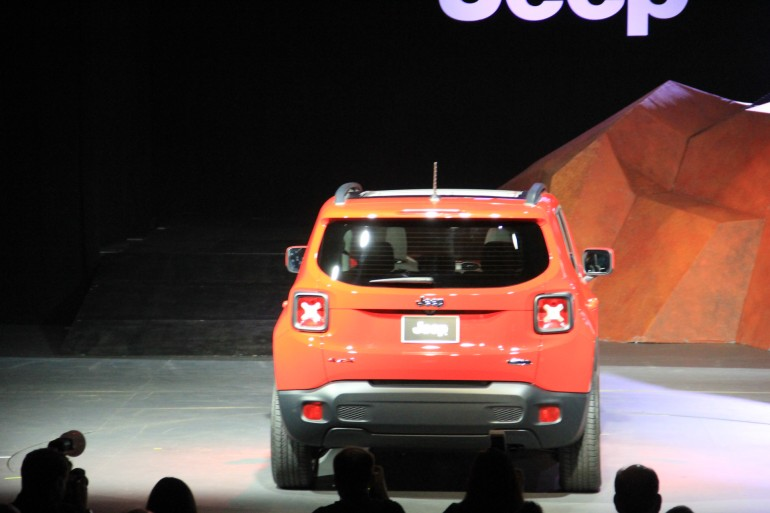 2015 Jeep Renegade Unveils At NY Auto Show New CUV Picks