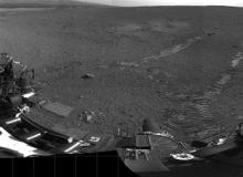 Mars rover Curiosity aces first test drive