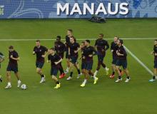 England prepares for Italy in Manaus