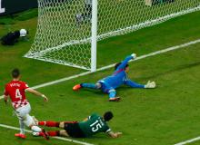 Memo Ochoa Loses Virginity As Perisic Scores For Croatia!