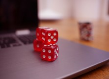 Online Poker vs Poker at the Casino: Which One Is Better?