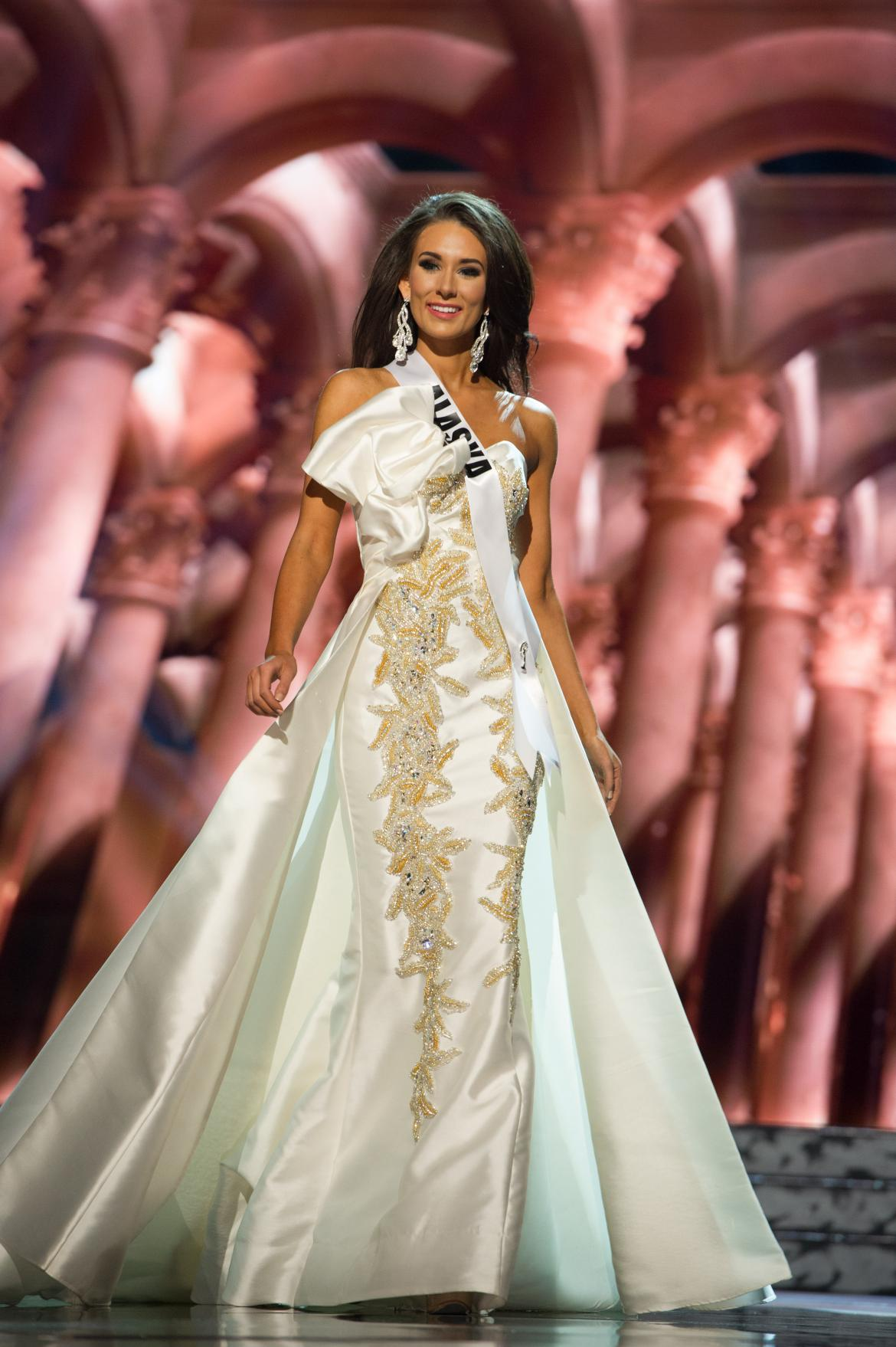 Miss USA 2016 Photos: See All 52 Beauty Queens In Evening Gown ...