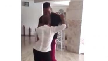 Romeo Santos dancing with lady
