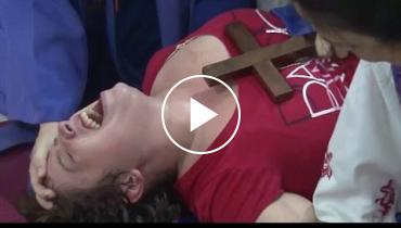 Real Or Fake? Priest In Argentina Perform Exorcism On Woman Possessed By 'The Devil'