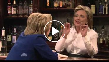 Hillary Clinton Makes Fun Of Trump In Hilarious 'SNL' Appearance
